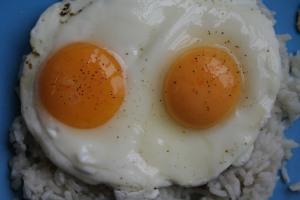 huevosfritosconarroz